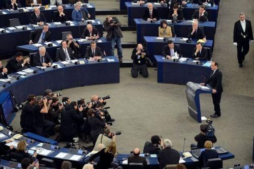 francois-hollande-s-exprime-devant-le-parlement-europeen.jpg
